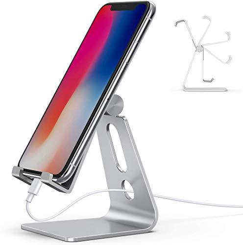 Emoly Suporte ajustável para celular, suporte para celular de mesa de alumínio 2020 com base antiderrapante e porta de carregamento conveniente, serve para todos os smartphones (prata)