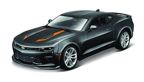 1: 18 2017 50th Anniversary Chevrolet Camaro (Colors May Vary)