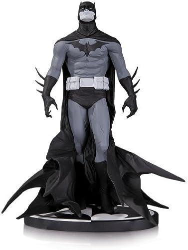DC Direct Batman schwarz & Weiß Statue by JAE LEE