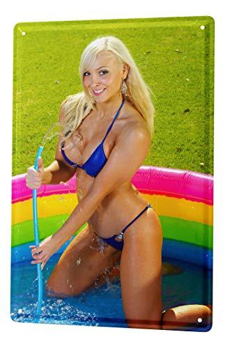 LEotiE SINCE 2004 Blechschild Vintage Retro Metallschild Wandschild Blech Poster Sexy Fun Blondine Pool