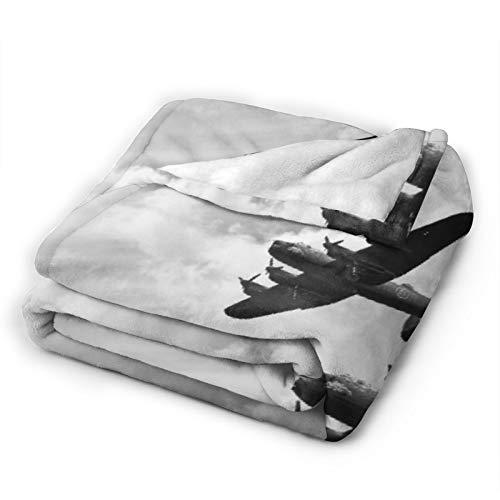 OPMLISIR Coperta in Pile per Divano,Immagine retrò di Jet bombardieri Lancaster da Battle Royal Air Force in Clouds Plane Coperte morbide e Calde e morbide e Plaid per Divano 80x60 Pollici