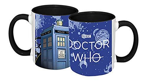 Close Up Doctor Who Tasse Tardis und Logo im Weltraum mit schwarzem Innenteil & Henkel ca. 320 ml - Premium Qualität