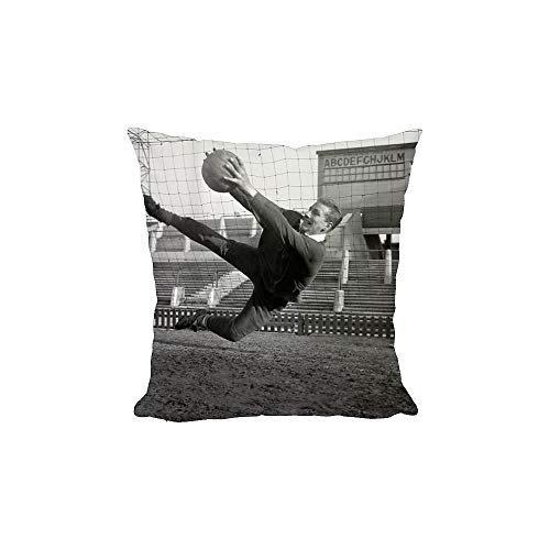 Media Storehouse 12x12 Cushion of Soccer - Manchester United Training Photocall - Old Trafford (941131)