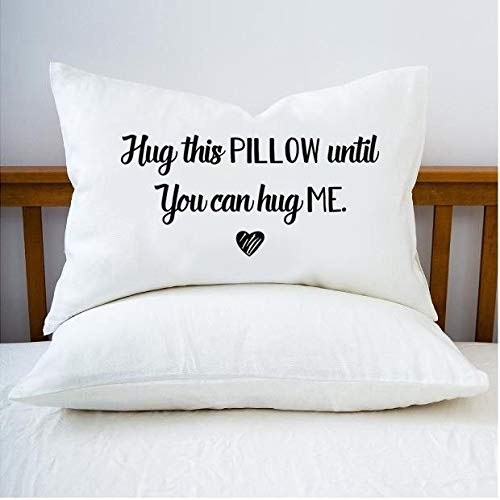 Ymot101 Hug this Pillow to You Can Hug me Couples Fundas de almohada 20x30 Queen Size almohada larga distancia relaciones regalos novia regalos