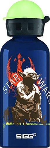 SIGG Star Wars Yoda Kinder Trinkflasche (0.4l), schadstofffreie Kinderflasche mit auslaufsicherem Deckel, schöne Wasserflasche aus Aluminium