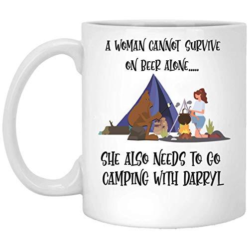 N\A Una Mujer Necesita IR de Campamento con Darryl en una Jarra de Cerveza Blanca 01_01 MUG 11oz