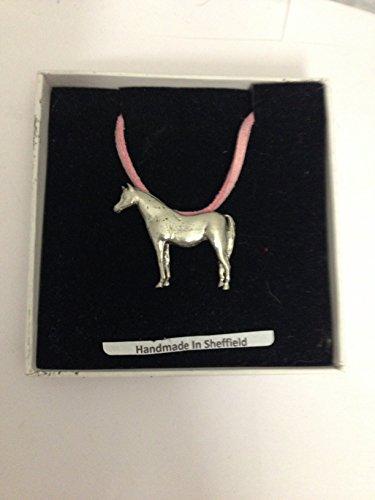 Collar de caballo árabe E08 de peltre inglés con cordón rosa, hecho a mano, 41 cm