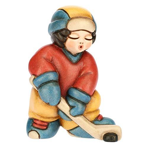 THUN - Soprammobile Bimbo Che Gioca a Hockey - Accessori per la Casa da Collezione - Linea i Classici - Ceramica -7,1 h cm