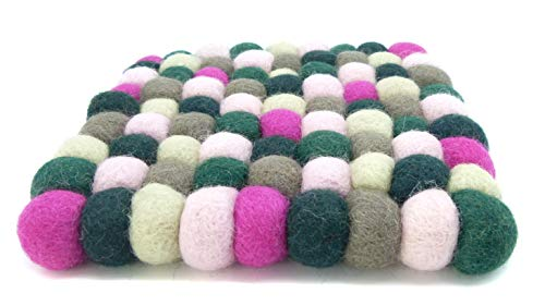 feelz Filzuntersetzer aus Filzkugeln 15 x 15 cm eckig grün pink rosa Beere Handarbeit Topfuntersetzer Filz bunt quadratisch Bunte Filzkugel Untersetzer