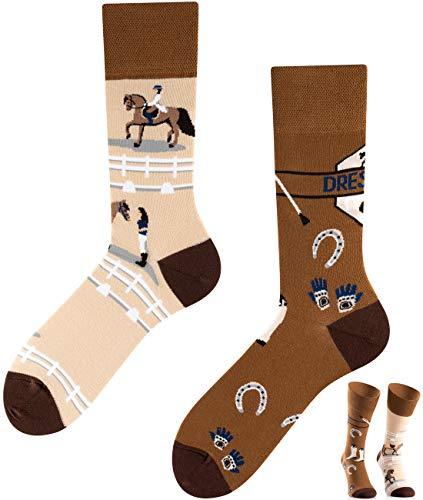 TODO COLOURS Pferde Motiv Socken - Dressur - mehrfarbige, verrückte, bunte Reiter-Socken (39-42, Dressage)