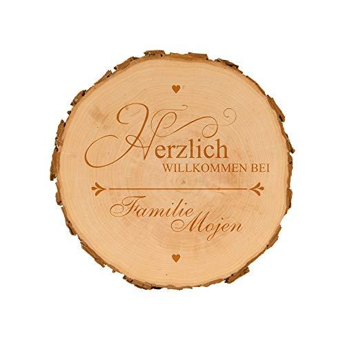 4you Design Baumscheibe Herzlich Willkommen - personalisierte Holzscheibe - Geschenkidee - Geburtstagsgeschenk - naturbelassen - Dekoration - Wanddeko (ca.15,5-18 cm)
