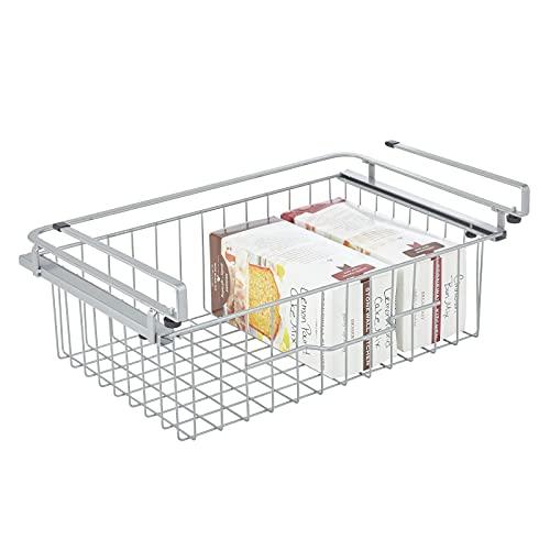 mDesign Estante colgante – Cesta extraíble de metal para colgar – Organizador de cocina grande para almacenar conservas, especias y otros alimentos envasados – plateado