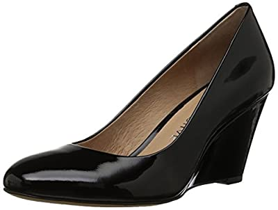 Amazon Brand - 206 Collective Women's Battelle Closed-Toe Covered Wedge Pump, black patent leather, 6.5 B US