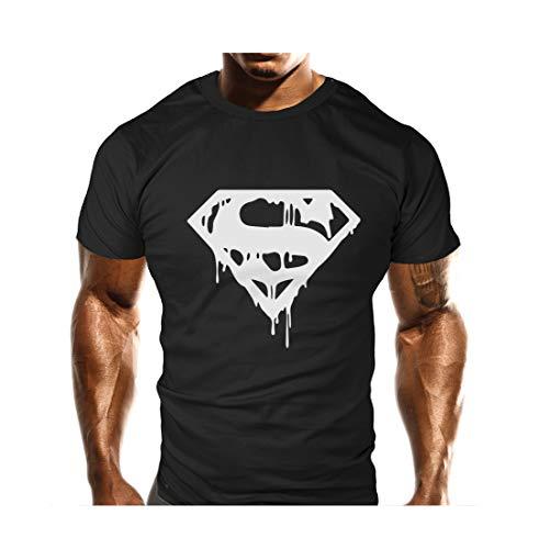 Camiseta 100% algodón preencogido. Cómoda y ligeramente ancha. Estampado de vinilo, cuello con doble costura.  Perfecta para el gimnasio y para uso casual en verano. Alta calidad.