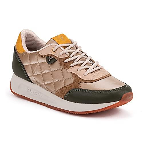 Zapatilla Sneaker Yumas Chiara Caqui Arena Fabricado en Microfibra y nilón Transpirable. Plantilla Textil para Mujer