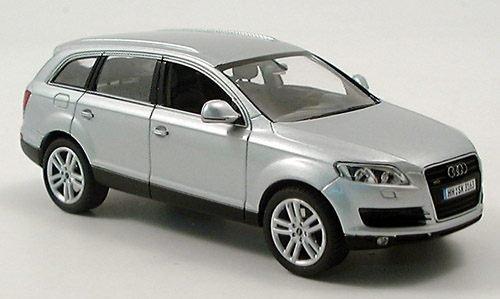 Audi Q7 4L 1:43 Lichtsilber Silbe