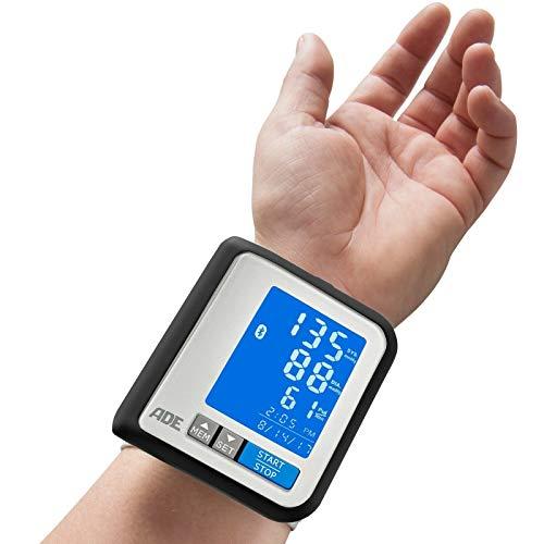 ADE Blutdruckmessgerät Handgelenk BPM 1600 FITvigo besonders flach, beleuchtetes Display mit exzellenter Ablesbarkeit, große Anzeige geeignet für Senioren (Blutdruck/ Puls messen, Arrhythmie-Warnung)