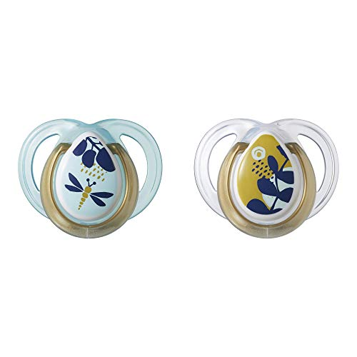 Tommee Tippee Closer to Nature Moda Baby Pacifier, BPA-Free, 0-6 Months, 2 Count (Designs Will Vary)