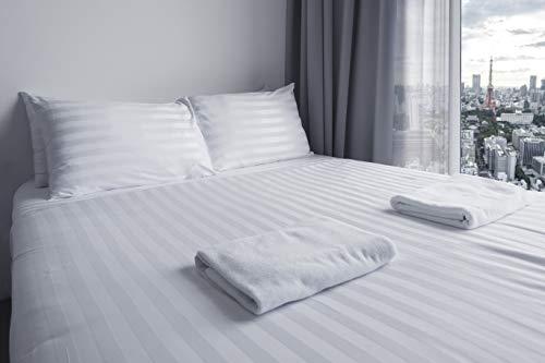 Sibiles - Set di lenzuola in raso, motivo a righe bianche, per hotel, in policotone, lenzuolo con angoli, federa per cuscino (letto 150)