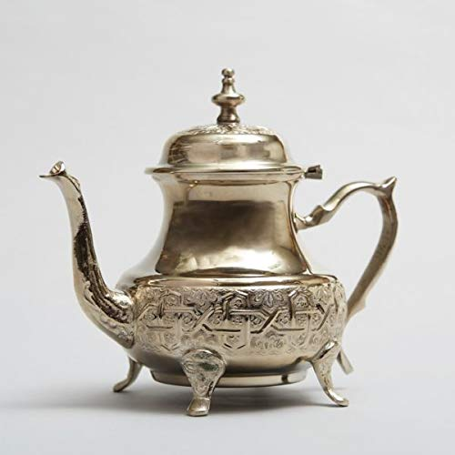 MAGHREBI BY SHEENAZ FAZREEN Tetera de plata marroquí – Auténtica Tetera tradicional marroquí grabada hecha a mano – Tetera pequeña de metal – Porción para 5 tazas de té marroquí de 30 ml (Cocina)