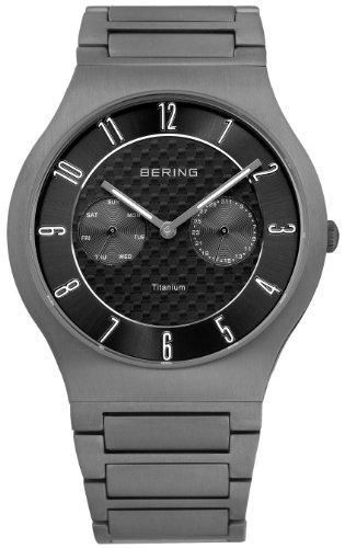 BERING Herren Analog Quarz Titanium Collection Armbanduhr mit Titan Armband und Saphirglas 11939-777