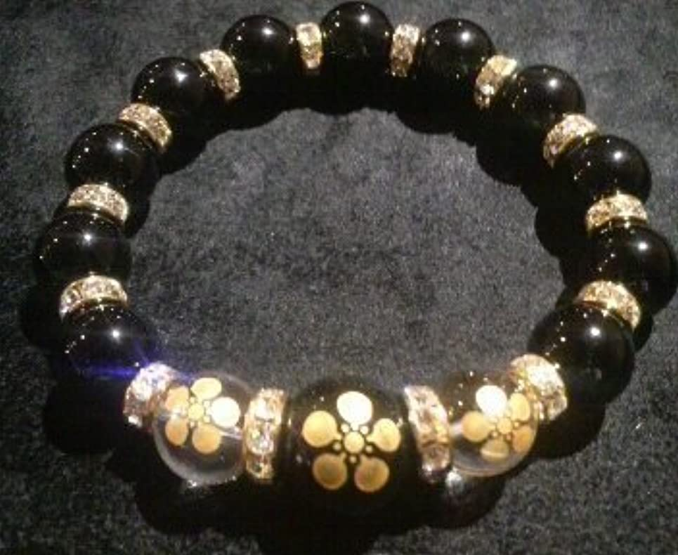 ペッカディロ番目返還花の慶次 家紋 水晶&ブラックオニキス 数珠ブレスレット (17 センチメートル)