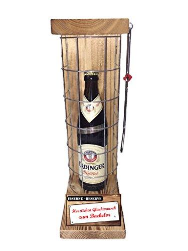 Herzlichen Glückwunsch zum Bachelor Die Eiserne Reserve mit Erdinger Weißbier 0,50L incl. Säge zum zersägen des Gitter - Männer Geschenk - Frauen Geschenk