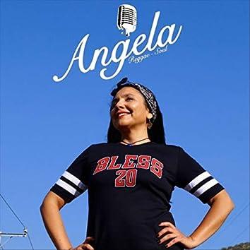 Angela Muzik