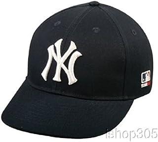 bf467be286c Amazon.com  MLB - Baseball Caps   Caps   Hats  Sports   Outdoors