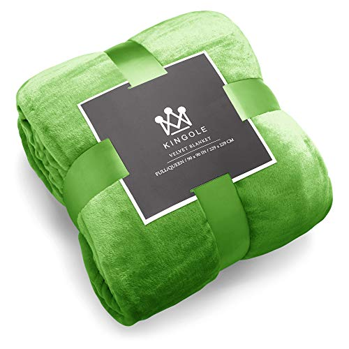 Kingole Flannel Fleece Microfiber Throw Blanket, Luxury Green Twin Size Lightweight Cozy Couch Bed Super Soft and Warm Plush Solid Color 350GSM (66 x 90 inches)