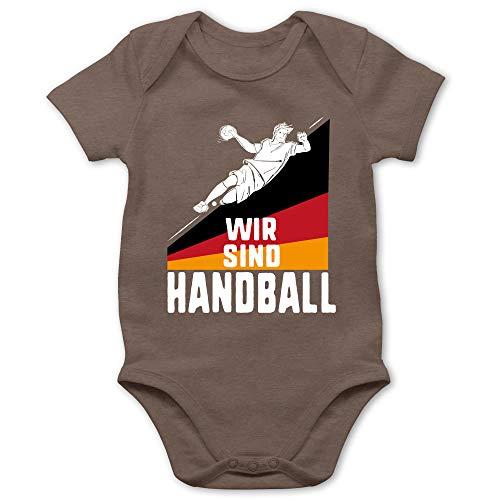 Shirtracer Handball WM 2019 Baby - Wir sind Handball! Deutschland - 6/12 Monate - Braun - Team - BZ10 - Baby Body Kurzarm für Jungen und Mädchen