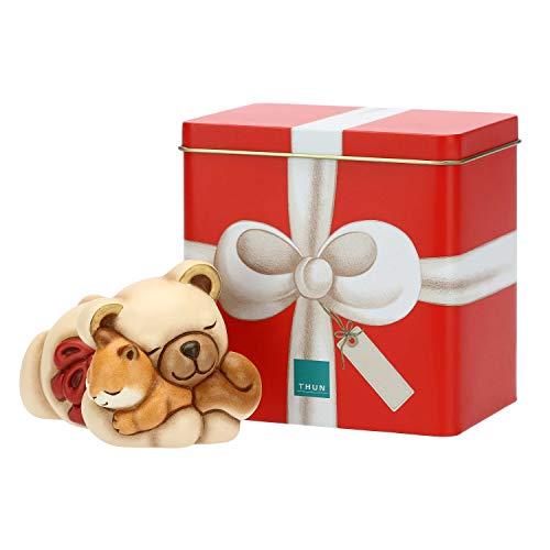 THUN ® - Teddy Abbraccio Piccolo con Scoiattolo e Scatola in Latta - Ceramica - con Scatola in Latta - h 7,7 cm - Linea I Classici