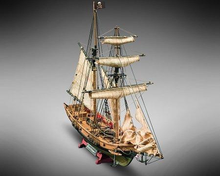 Mamoli MV82 - Blackbeard - Wood Plank-On-Bulkhead  Ship Model Kit - Length: 520 mm (21 ), Height: 350 mm (14 ) Scale 1 57