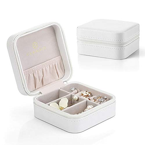 Vlando Small Travel Jewelry Box Organizer - Faux Leather Storage Case for Rings Earrings Necklace - Best Gifts Choice for Girls Women, Pearl White