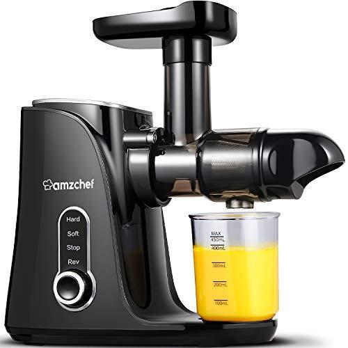 Licuadora prensada en frío, AMZCHEF licuadora de frutas y verduras , Extractor de zumos con 2 velocidades, panel de pantalla LED, 2 botellas de agua(500ML), cepillo fácil de limpiar (negro)