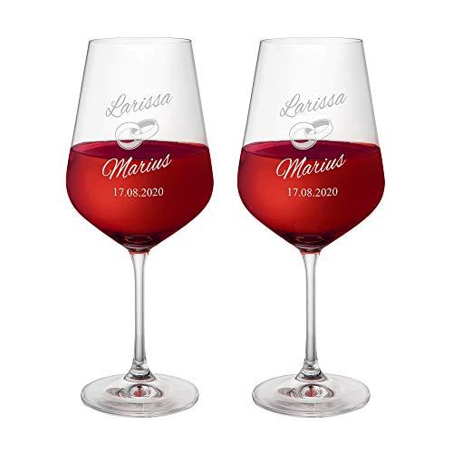 AMAVEL Set 2 Calici da Vino Rosso con Incisione, Bicchieri Personalizzati con Nomi e Data, FEDI Nuziali, Calici in Vetro per Sposi, Idee Regalo Matrimonio e Anniversario