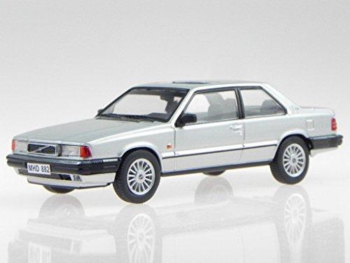 Volvo 780 Bertone 1986 silber Modellauto 43040 Triple9 1:43