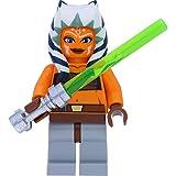 LEGO Star Wars - Minifigura de Ahsoka Tano (Padawan, The Clone Wars) con espadas láser