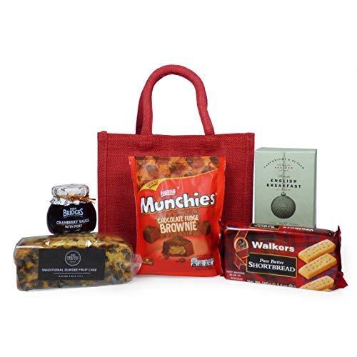 Cesto de comida 'Mum's Gourmet Afternoon Tea' presentado en una bolsa roja: perfecto para el día de la madre