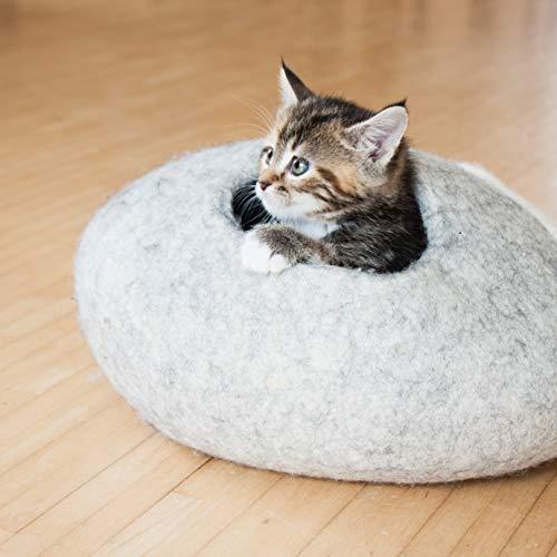 LucyBalu Kitten CAVE Filzhöhle für Kätzchen mit Kieselstein-Look 38 x 38 x18 cm aus natürlichem Wollfilz