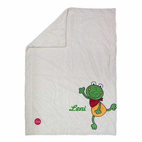 Sigikid Kuscheldecke mit Ihrem Wunsch-Namen in der abgebildeten Stickschrift bestickt Folunder Frog 100 cm x 75 cm creme Namensdecke Krabbeldecke aus weichem Plüsch 41560mn