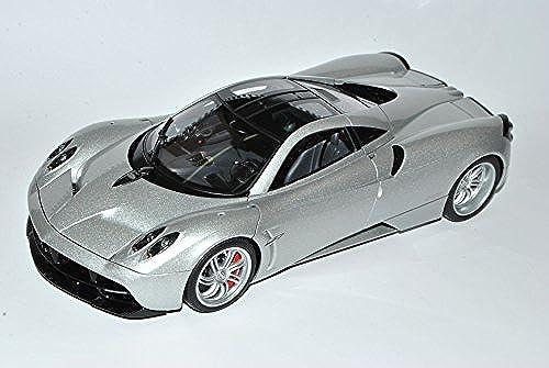 AUTOart Pagani Huayra Silber Karbon 78266 1 18 Modell Auto