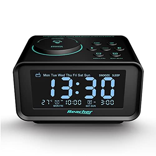 Reacher Radiosveglia FM Digitale con Doppio Allarme, orologio da comodino con display LCD dimmerabile, Snooze, porte USB doppie per smartphone e tablet Ricarica, batteria o alimentazione elettrica
