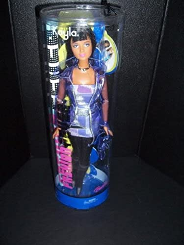 Fashion Fever african-American Kayla Doll in lila Dress, See-thru Jacket, schwarz Tight and Stiefel
