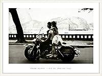ポスター フランク ホーヴァット Couple on Harley Rio de Janeiro 1963 額装品 ウッドベーシックフレーム(ホワイト)