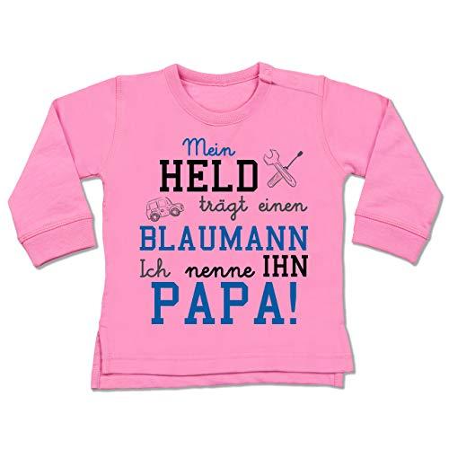 Shirtracer Sprüche Baby - Mein Held trägt einen Blaumann - 6/12 Monate - Pink - Baby blaumann - BZ31 - Baby Pullover