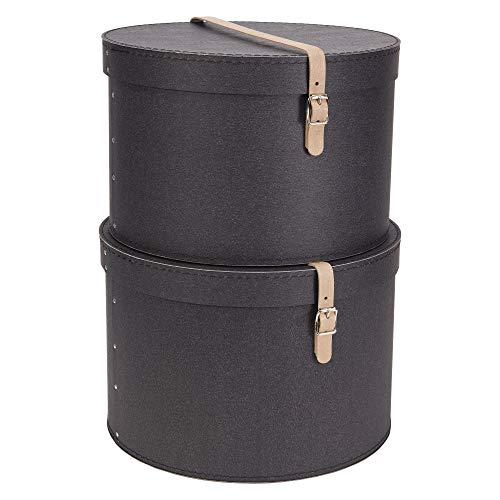 Bigso Box of Sweden 2er-Set Aufbewahrungsbox mit Deckel – runde Ordnungsbox mit Lederriemen – große und kleine Hutschachtel aus Faserplatte und Papier in Leinenoptik – Dunkelbraun