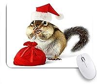 ECOMAOMI 可愛いマウスパッド 赤いサンタクロースの帽子と白い背景の上の贈り物とバッグのシマリス 滑り止めゴムバッキングマウスパッドノートブックコンピュータマウスマット