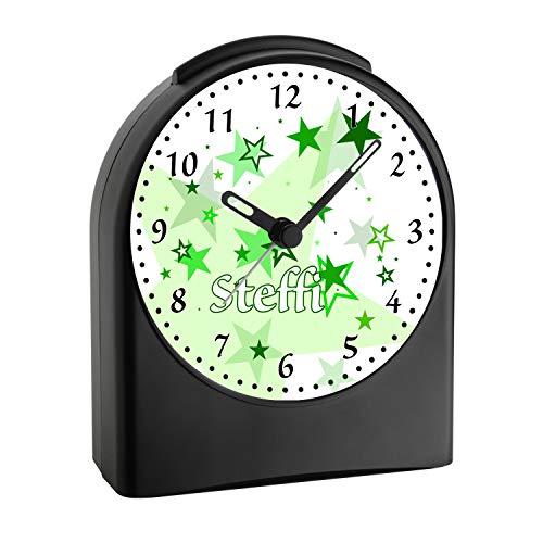 CreaDesign, WU-50-1030-04, Sterne Farbe Grün, analog Kinderwecker schwarz, Funkwecker ohne Ticken, mit Licht, personalisiert mit Namen, 9,6 x 5,5 x 11,9 cm, 104 g