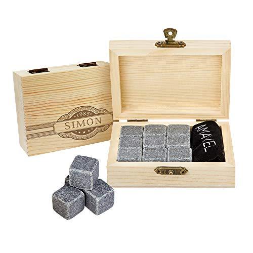 AMAVEL Whiskysteine in Edler Holzbox mit Banderole Gravur, Personalisiert mit Name und Jahr, 9 Geschmacksneutrale Kühlsteine für Whiskey